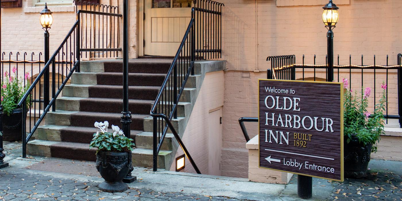 Suite Amenities at Olde Harbour Inn in Savannah, GA