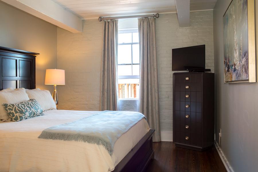 Riverfront Hotel Suites In Savannah GA