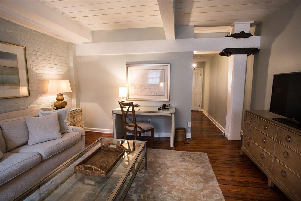 Savannah Georgia Hotel Suite Living Room