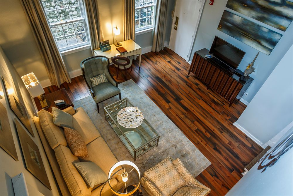 Two-Level Hotel Suite in Historic Savannah Georgia