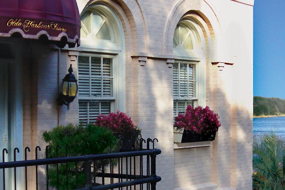 Hotel Suite Balcony at Olde Harbour Inn in Savannah Georgia
